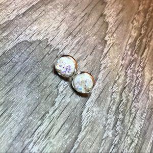Jewelry - ❤️White Iridescent Druzy w/Silver Stud Earrings